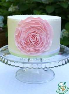 Роза из мастики для украшения торта. фото #1