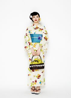 Yukata Yukata Kimono, Kimono Fabric, Japanese Love, Japanese Kimono, Traditional Kimono, Traditional Dresses, Japanese Outfits, Japanese Fashion, Geisha