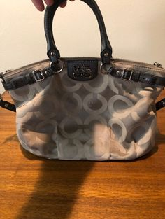 Wonderful coach purse that's in used condition but plenty of life left. Vintage Coach, Coach Purses, Buy Now, Shoulder Bag, Bags, Life, Handbags, Totes, Shoulder Bags