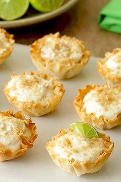 These li'l key lime pies are made with healthy ingredients, so they're low in sugar, low in calories… but still BIG in flavor! 3 mini pies: 102 calories | 5g fat | 3g sugar | 4 Weight Watchers SmartPoints | PIN!