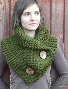 Green knitted collar for women, # women # for # yarn # green # knitted collar - Stricken 2020 Crochet Scarves, Crochet Shawl, Knit Crochet, Loom Knitting, Free Knitting, Tricot Simple, Knitting Patterns, Crochet Patterns, Popular Crochet