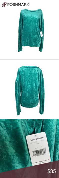 NWT FREE PEOPLE MILAN VELVET PULLOVER NWT FREE PEOPLE MILAN VELVET PULLOVER size XS. Runs true to size, crew neck, and velvet construction for max comfort! Completely new item. Feel free to ask any questions and/make an offer. Ships within 24hrs. Free People Tops