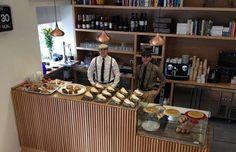 Pez Baker: c/ Pez, 38 (m: Noviciado) cafés y comidas rápidas