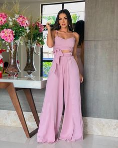 Palazzo Pants Outfit For Work. 14 Budget Palazzo Pant Outfits for Work You Should Try. Palazzo pants for fall casual and boho print. Look Fashion, Trendy Fashion, Girl Fashion, Fashion Outfits, Summer Outfits For Teens, Spring Outfits, Pants Outfit, Skirt Outfits, Classy Outfits