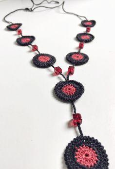 Black and wine crochet necklace by GabyCrochetCrafts on Etsy