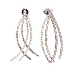 Elegant and classic white diamond swinging earrings. Diamond Weight:1.35ct
