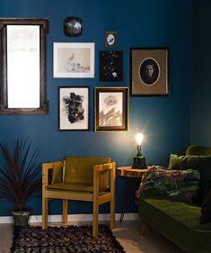 Taulukollaasi: 4 tapaa rakentaa kollaasi kodin sisustukseen - Kotiliesi.fi Gallery Wall, Villa, Colours, Iso, Frame, Living Rooms, Home Decor, Picture Frame, Lounges