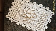 25 trendy crochet rug bathroom t shirts Crochet Flower Tutorial, Crochet Flower Patterns, Doily Patterns, Crochet Designs, Crochet Flowers, Crochet Doily Rug, Thread Crochet, Crochet Gifts, Crochet Stitches