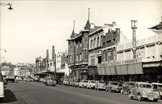 Hunter Street, Newcastle West, NSW, Australia [c.1950s] by Cultural Collections, University of Newcastle, via Flickr