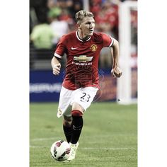 Basti in his first match with #mufc.
