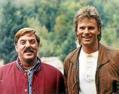 Jack Dalton and MacGyver. I never got this guy Jack. Always gets MacGyver into trouble. I have a friend just like that, haha. Macgyver Tv, Angus Macgyver, Great Tv Shows, Old Tv Shows, Arnold Schwarzenegger, Dalton James, Macgyver Original, Macgyver Richard Dean Anderson, Photo Vintage