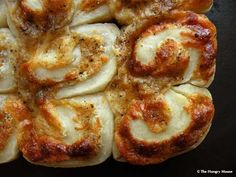 Garlic Cheese Pinwheel Pull-Apart Rolls made with Pizza Dough! A nice easy recipe ....I can't wait to try these