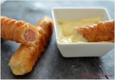 Chismes y Cacharros: Hojaldre frito con salchichas (entrante)