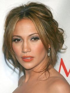Jennifer Lopez Hairstyles: Sweet Loose Bun for a Cute Look