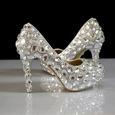 Silver Rhinestone Elegant Low Cut Uppers Round Toe Platform Most Popular Bridal Bling Wedding Crystal Shoes For Women Heels
