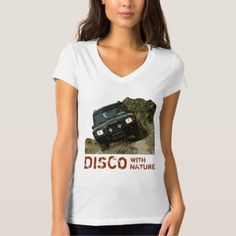 LAND ROVER DISCOVERY - DISCO WITH NATURE T-Shirt - click to get yours right now! Land Rover Discovery, Wardrobe Staples, Fitness Models, Land Rovers, T Shirts For Women, Female, Casual, Vehicle, Sleeves