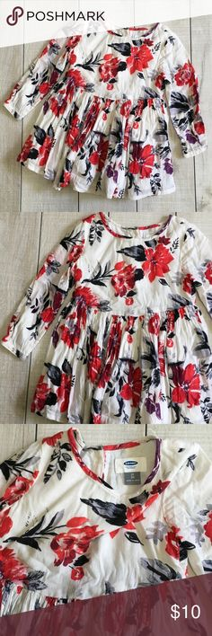 NEW ITEM - Old Navy Floral Dress Size 2T. Old Navy dress. 100% cotton. Fully lined. Buttons down back. Adorable with tights and boots! Excellent used condition. Smoke free home. Unscented laundry products. Old Navy Dresses Casual