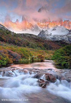 Fitz  Roy  Mitica Montaña de La Patagonia de singular y unica belleza