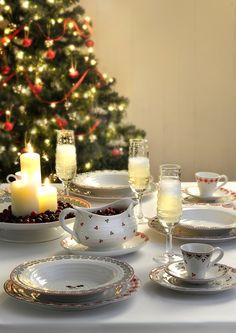 Weer eens iets anders dan het traditionele kerstservies! Sophie Conran voor Portmeirion (Bron: www.deserviezen.nl)