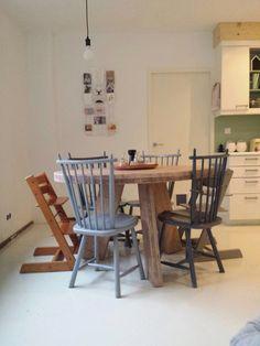 Ronde eettafel steigerhout met leem wash