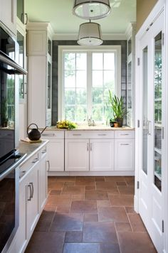 FLOORS and white cabinets -Contemporary Kitchen Design Ideas with Brown Stone Tiles Floors Kitchen Renovation in Economical Way: Kitchen Floor Renovation Ideas Kitchen Tiles, Kitchen Flooring, New Kitchen, Kitchen White, Narrow Kitchen, Kitchen Windows, Kitchen Decor, Kitchen Cabinets, Kitchen Floor Tile Patterns