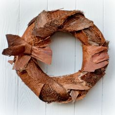 Vánoční+věnec+Skandi+Vánoční+věnec+na+dveře+v+moderním+stylu+z+přírodního+materiálu.+Výhodou+tohoto+věnce+je+možnost+využití+po+více+sezón,+rozhodně+vám+nezvadne+ani+neopadá.+Vhodný+do+interiéru+i+exteriéru.+Průměr:+32+cm