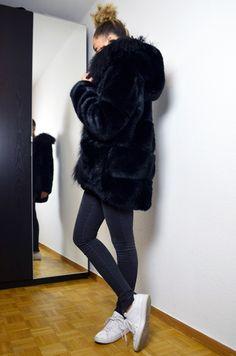 mercredie-blog-mode-geneve-maje-manteau-fausse-fourrure-king-kong-stan-smith-adidas-capuche
