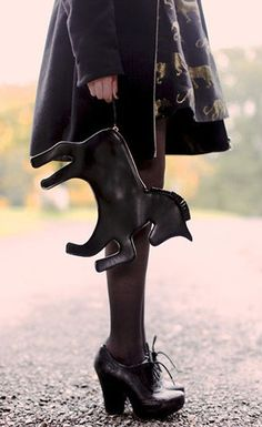 The Clothes Horse - gpoy, from today's post. Witch Shoes, Novelty Bags, Black Unicorn, Quirky Fashion, Unique Purses, Clothes Horse, Amelie, Minimalist Fashion, Winter Outfits