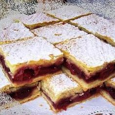 Meggyes pite pudingos töltelékkel Recept képekkel - Mindmegette.hu - Receptek No Bake Desserts, Dessert Recipes, Just Eat It, Cherry Tart, Hungarian Recipes, Sweet And Salty, Coffee Cake, Cookie Recipes, Bakery