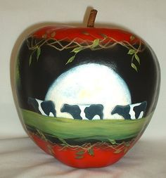 Cows by Moonlight Apple Gourd