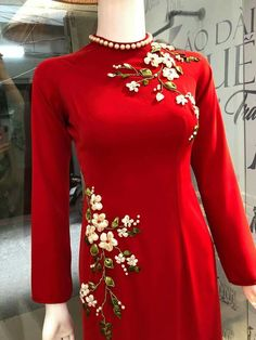 like the color Kurti Embroidery Design, Silk Ribbon Embroidery, Embroidery Dress, Hand Embroidery, Salwar Designs, Saree Blouse Designs, Indian Designer Suits, Embroidered Clothes, Mode Hijab