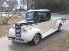 1940 International 40 Pick-Up Truck Vintage Pickup Trucks, Classic Pickup Trucks, Antique Trucks, Ford Classic Cars, Vintage Cars, Antique Cars, Chevy Classic, Rat Rods, Custom Trucks