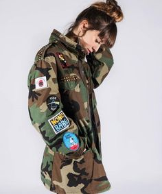 8 Luxury Fashion Brands That Upcycle - Eluxe Magazine Patched camo jacket Camo Fashion, Military Fashion, Unique Fashion, Military Outfits, Luxury Fashion, Military Style Coats, Military Jacket, Ethical Fashion, Fashion Brands
