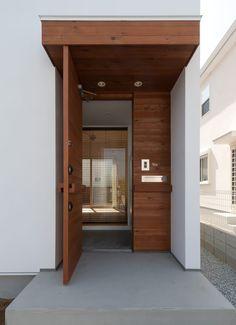 ピュアオーガニックハウスの外構(玄関扉)1