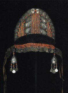 Morocco | Woman's ceremonial wedding headdress; silver, coral and goat's hair | Late 18th century || Ghysels Collection, photograph John Bigelow Taylor