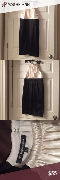Jones wear cocktail/formal dress size 6 Jones wear dress size 6. Bought from JC Penney. Formal/cocktail dress. Form fitting/very flattering. Top is ivory and bottom is black. Excellent condition and very elegant. Jones Wear Dress Dresses