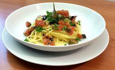 Rezept vom Zentrum der Gesundheit: Spaghetti Mediterrane Art © ZDG #vegan #gesund #gesundheit #rezepte