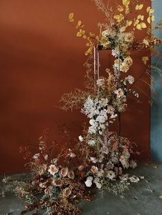 Diy Wedding, Wedding Events, Wedding Ceremony, Boho Wedding Decorations, Flower Decorations, Autumn Inspiration, Wedding Inspiration, Flower Installation, Winter Wedding Flowers
