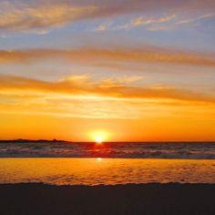 Geniet sulke pragtige sonsondergange vanaf jou stoep by Absolute Beach in Britanniabaai.