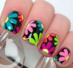 Flower nails are perfect for the spring and summer. Before you head to the nail salon, check out 40 of our favorite flower nail designs for spring and summer. Flower Nail Designs, Simple Nail Art Designs, Best Nail Art Designs, Flower Nail Art, Spring Nail Art, Spring Nails, Summer Nails, Nails Polish, Toe Nails