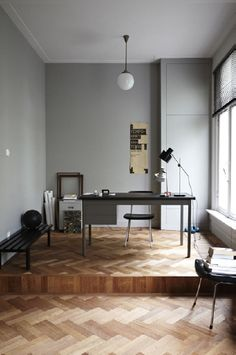 Stylish home office. Love the beautiful floor and light-grey walls naked Apartment At Bow Quarter / Studio Verve Architects Office Home Office, Office Workspace, Home Design Decor, House Design, Home Decor, Design Desk, Floor Design, Home Interior, Interior Architecture