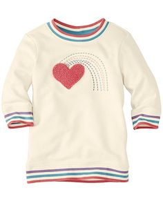 The perfect team of cool and comfy with beautiful embroidered patterns and so-soft cotton. She'll lean on this super-easy fave day after day.