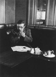 Brassaï - jean Paul Sartre - café de Flore - Paris 1944