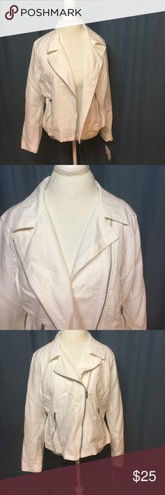 Liz Claiborne White linen jacket Never worn! Beautiful white linen jacket. Great draping or zip it up! Liz Claiborne Jackets & Coats