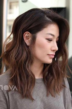 Iconic And Contemporary Asian Hairstyles To Try Out Now Length and Style. Side Parted Long Shag style not colorLength and Style. Side Parted Long Shag style not color Curly Hair Styles, Long Face Hairstyles, Medium Asian Hairstyles, Easy Hairstyles, Wedding Hairstyles, Side Part Hairstyles, Hairstyle Men, Hairdos, Short Brown Hairstyles