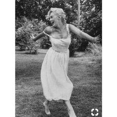 Marilyn Monroe – The World Marilyn Monroe Cuadros, Marilyn Monroe Pop Art, Marilyn Monroe Painting, Marilyn Monroe Portrait, Marilyn Monroe Photos, Vintage Hollywood, Classic Hollywood, Norma Jeane, Vintage Beauty