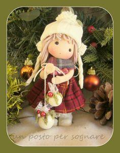 CHRISTMAS DOLL ww.facebook.com/unpostopersognare/ bambolina in porcellana fredda / doll porcelana fria .
