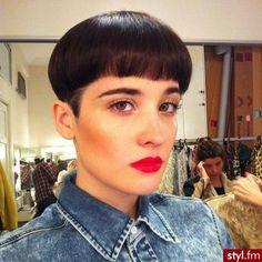 Beautiful Short Hair Ideas For Christmas  #beautiful #christmas #ideas #short Hair Hacks, Hair Trends, New Hair, Short Hair Styles, Fashion Tips, Beautiful, Bob Styles, Fashion Hacks, Fashion Advice