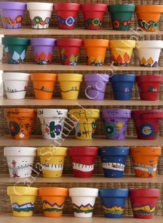 Painted Plant Pots, Painted Flower Pots, Do It Yourself Projects, Terracotta Pots, Clay Pots, Pink Flamingos, Craft Work, Plant Decor, Stone Painting