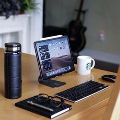 Computer Desk Setup, Gaming Room Setup, Laptop Desk, Cool New Gadgets, Tech Gadgets, Amazing Gadgets, Man Office, Home Office Setup, Logitech